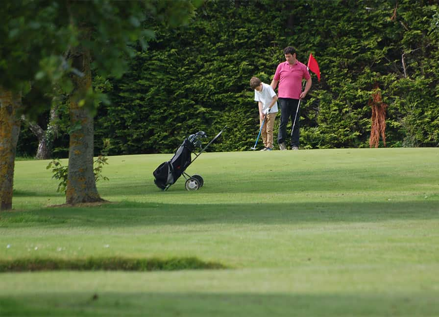 balheary-golf-course-putting